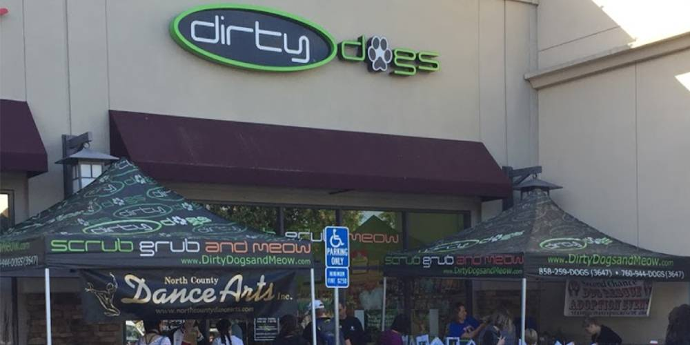 Storefront of Dirty Dogs, site of dog teeth cleaning in Torrey Hills by Qualified Pet Dental
